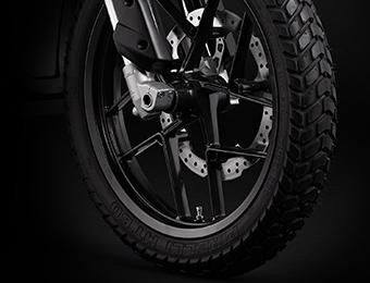 Wielen van elektrische Zero DS-motorfiets